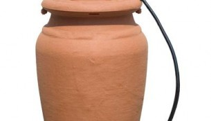 FOREST CITY MODELS  Urn Style Rain Barrel With Planter
